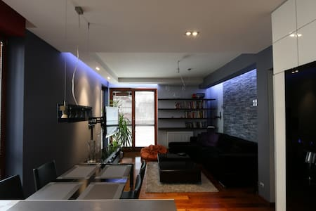 Modern and smart apartment / 10 mins from Center - Cracovia - Departamento