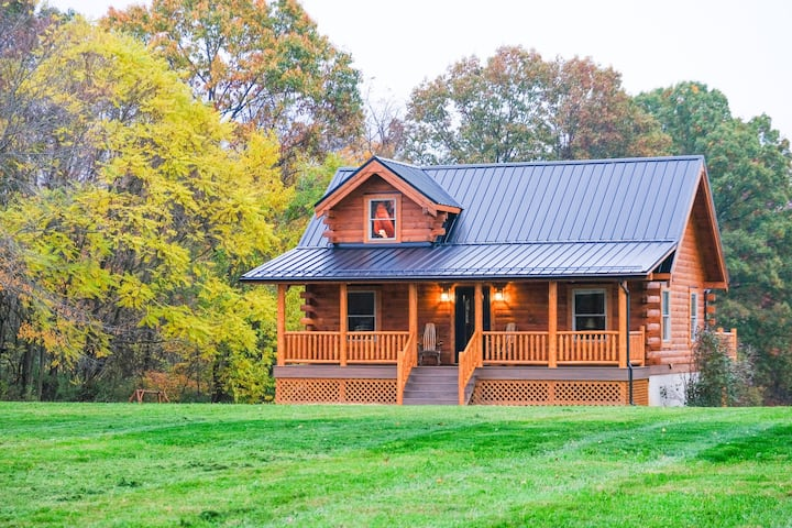 Deer Creek Luxury Cabin |  Hot Tub | Sleeps 11