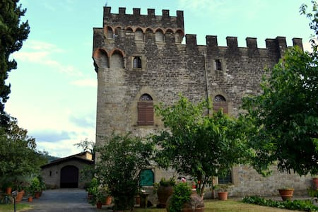 Apartment in castle - Florence, IT - Ferrano