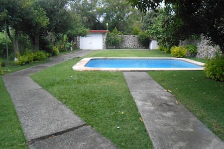 House with pool & garden in Morelos - Oaxtepec