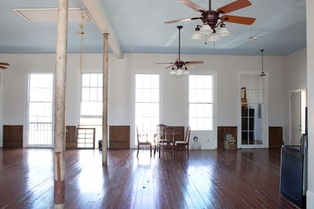Marigny-Bywater Historic Dream Loft - Nueva Orleans
