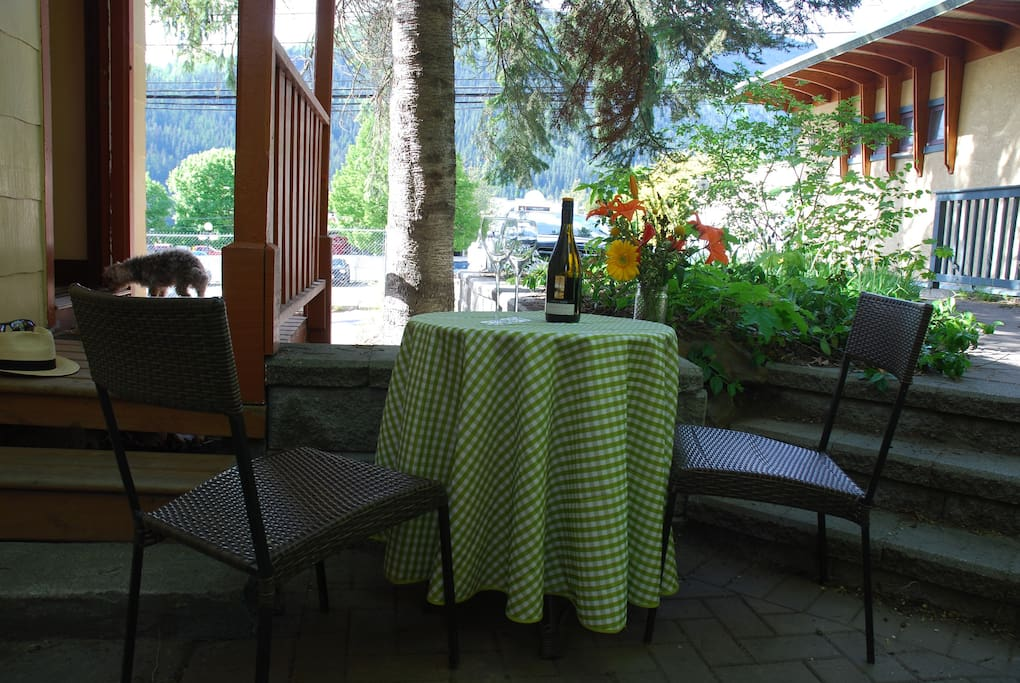 Patio  with furniture and BBQ. Herridge Lane Suite entrance.