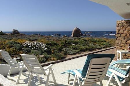 villa in riva al mare a portobello  - Villa