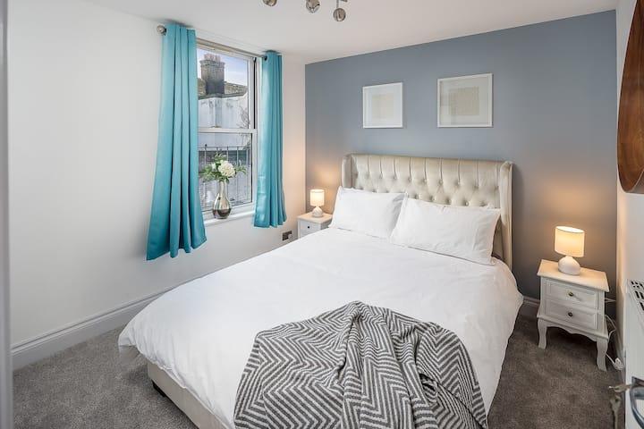 Spacious 2 bedroom  flat in London near Brick Lane