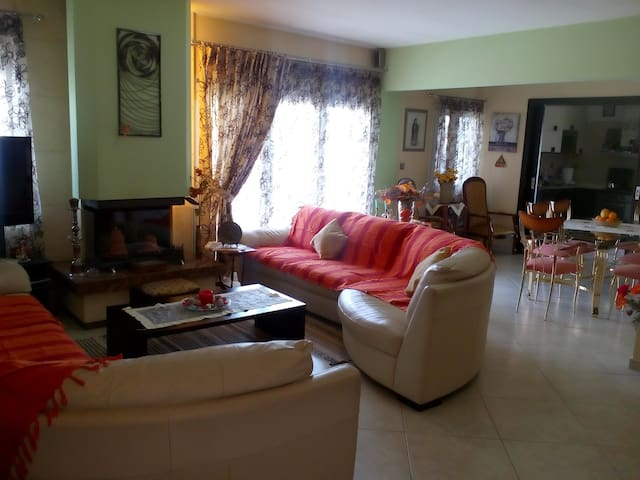 Cozy House 175 m2 flat, 4 bedroom - Kalamaria - Wohnung