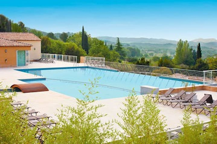 Superbe T3 RESORT & SPA,PISCINE ,TERRASSE - Callian - Huis