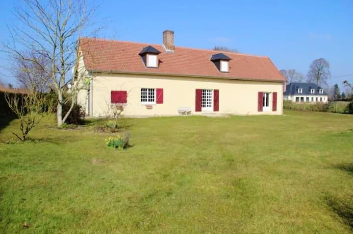 Maison de 2 chambres à Tours-en-Vimeu, avec magnifique vue sur la ville, jardin clos et WiFi - à 15 km de la plage