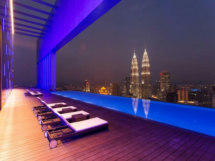 Tallest residential infinity pool in KLCC overlooking The Twins Towers