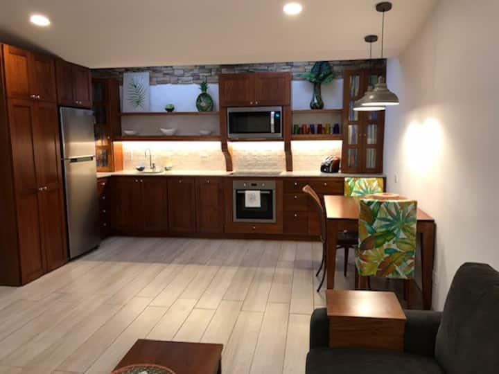 Villa Taz - Newly Remodeled Bright, Cheery & Comfy