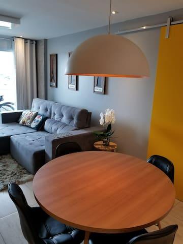 Harmonioso apartamento para temporada em Cabo Frio