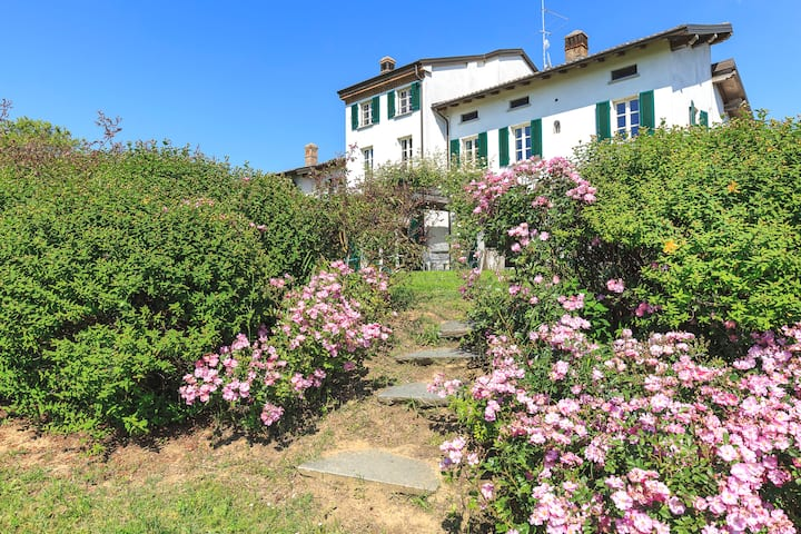 Villa Di Charme Tra I Vigneti D Oltrepo Ville In Affitto A Mornico Losana Pavia Italia