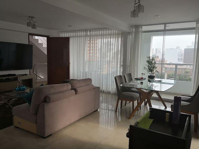 1 Private room in Barranco near Larcomar