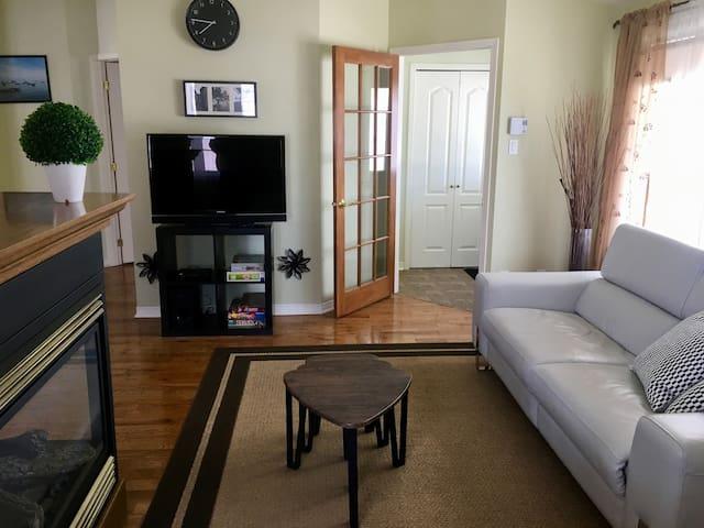 Grand logement 2 chambres et boudoir