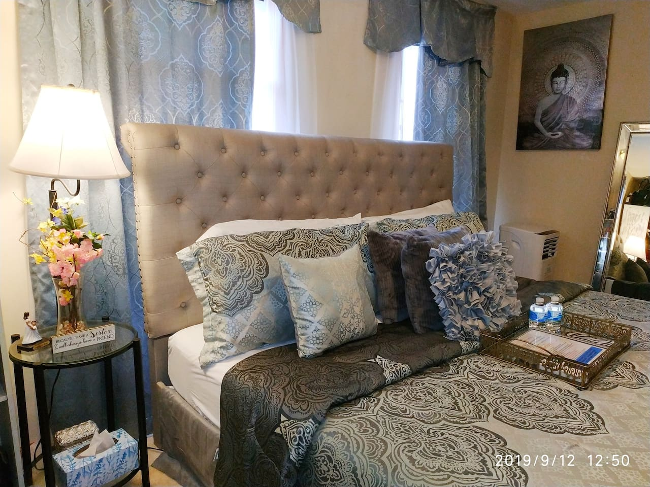 """Our beds are made with *** anti-bugs mattress cover: hygienic & sanitary. *** Only use white cotton sheets, it shows when it's dirty KING bed *60 """" Smart 4k TV over 300 channels  * AC/ Heater * Full length mirror * dresser *Strong fast WI FI (Free)"""
