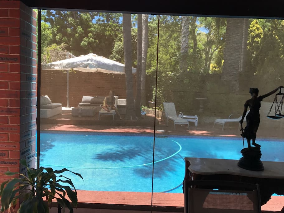 Pool with electric screens