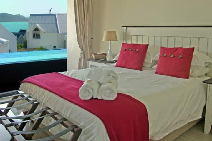 Emerald View - Oyster Catcher Room