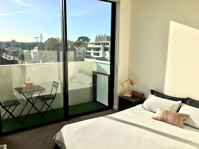 One bedroom in St Kilda's entertainment district
