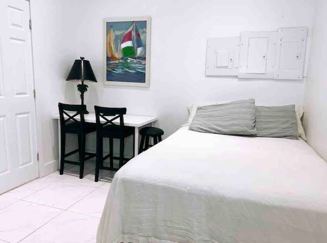 Cozy Studio North Miami Beach