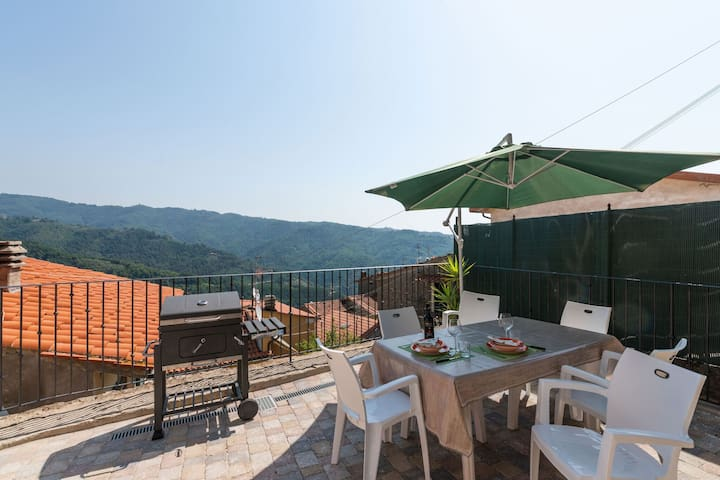 Historic Holiday Home in Marliana - Pistoia with Terrace