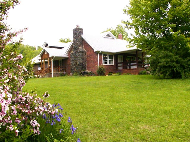 Lodge on 300 Acre Sanctuary - Spruce Pine
