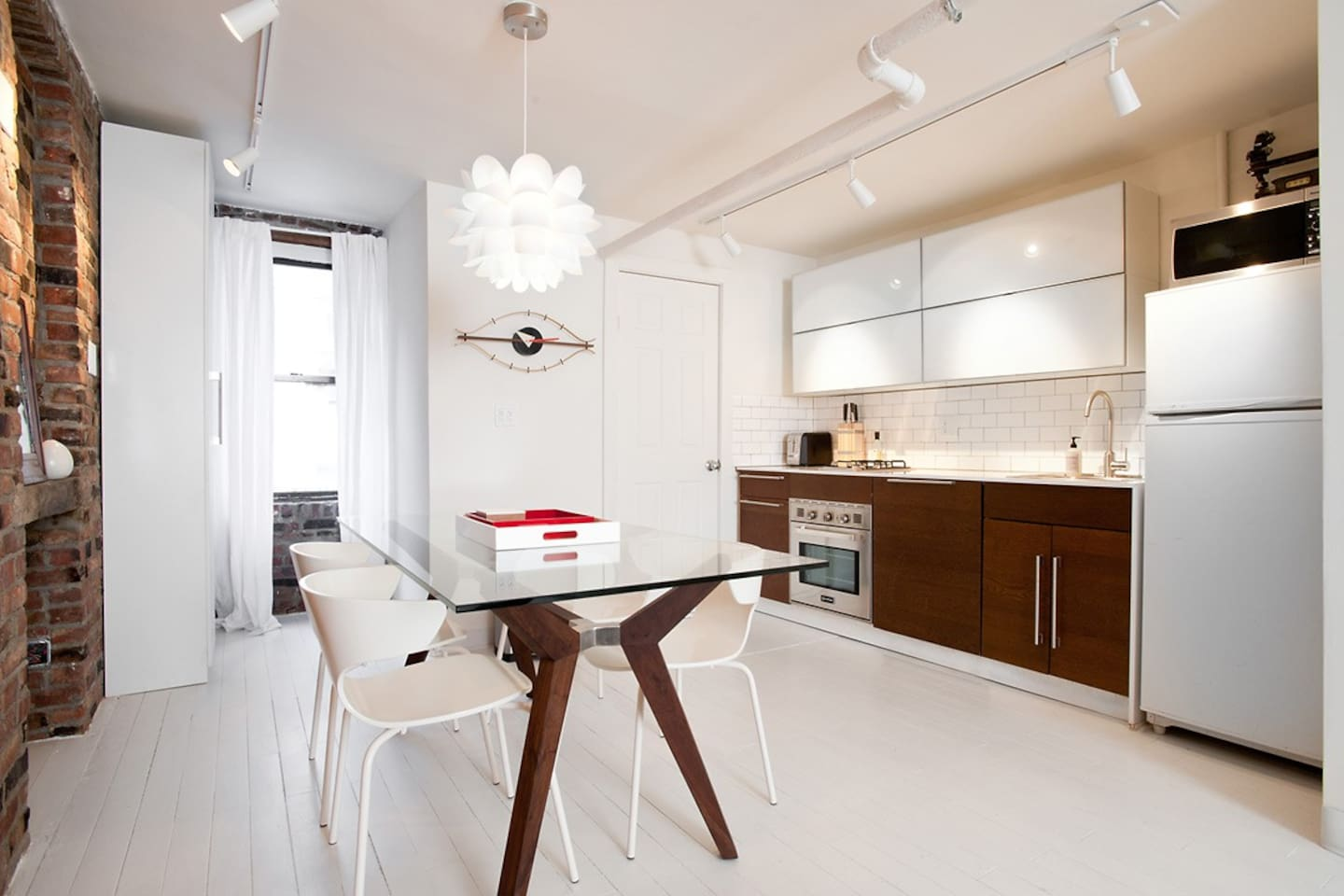 SOHO CONTEMPORARY DESIGNER LOFT