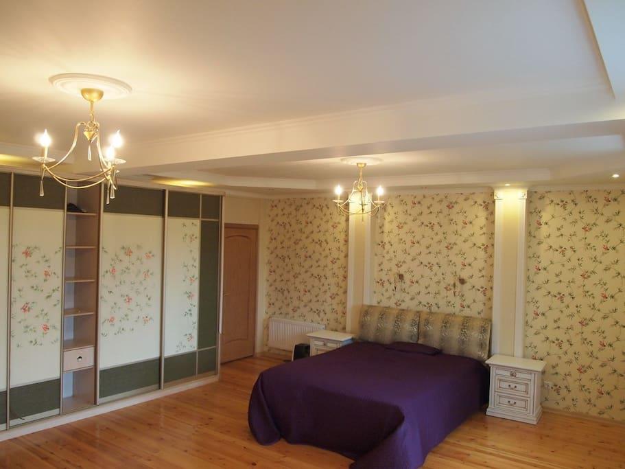 Your bedroom, other view (to the bathroom door)