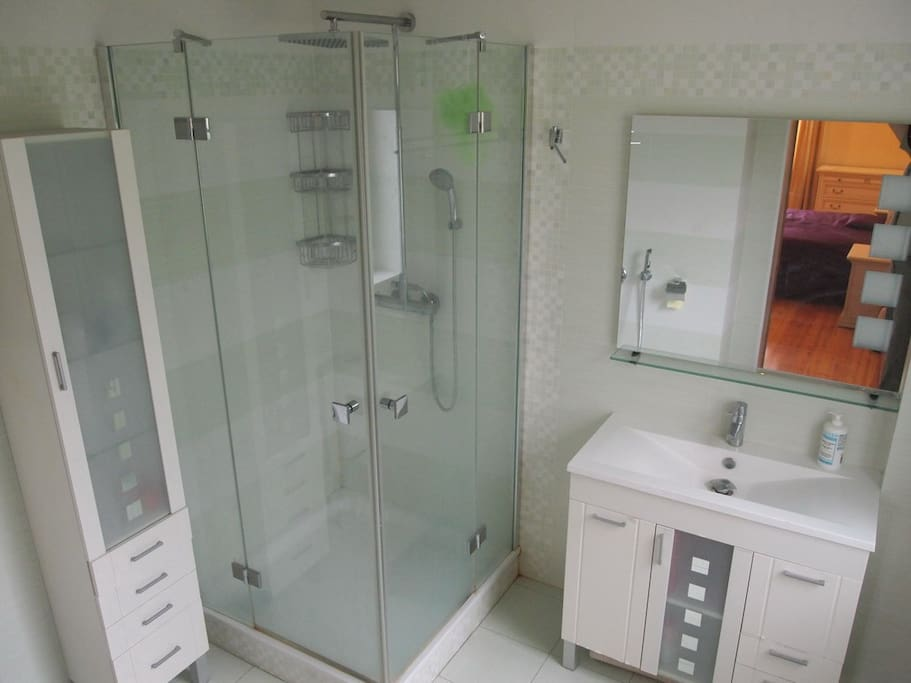 bathroom, fragment No1
