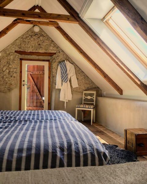 Unique Gotlandic stay in comfortable cottage