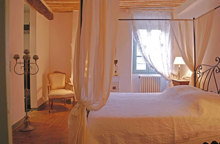 Chambre favorite - Lorgues - Bed & Breakfast