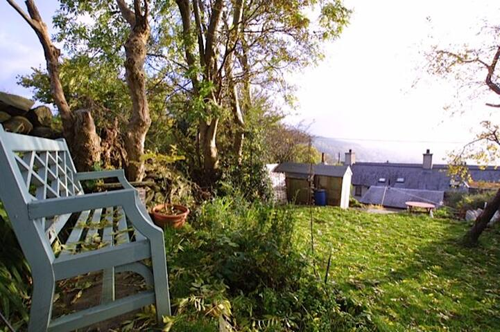 Double room in Snowdonia cottage - Gerlan - Talo