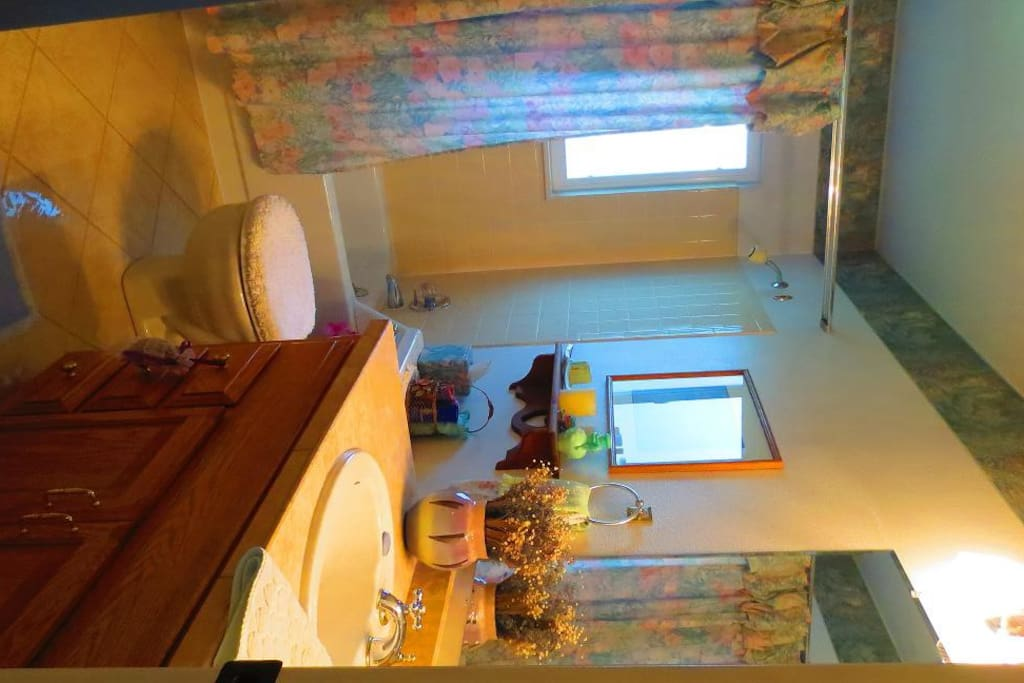 Private entrance. Shower/tub with plenty of towels, toiletries and hair dryer.