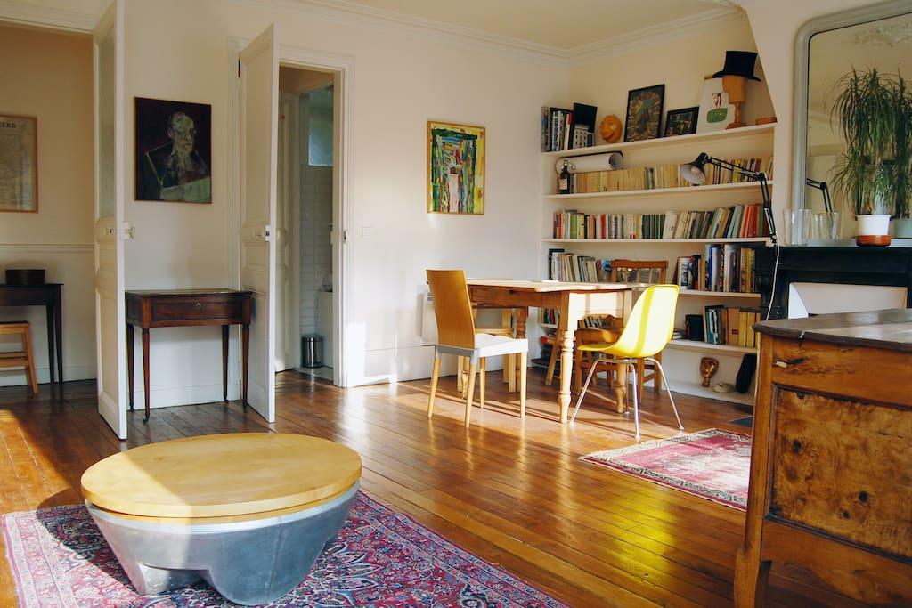 paris montparnasse at the 5th floor appartements louer paris le de france france. Black Bedroom Furniture Sets. Home Design Ideas