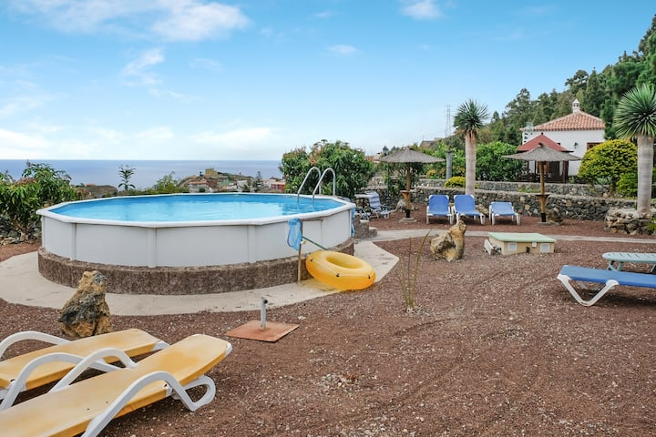 "Charming Holiday Home""Casa Candelaria"" with Mountain View, Ocean View, Pool, Garden, Terrace & Wi-Fi; Parking Available"