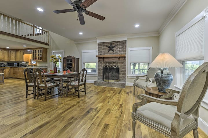 Remodeled Pittsboro Farmhouse on 220 Acres!