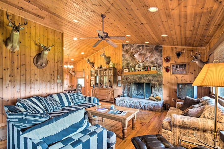 Authentic Cabin w/Fire Pit, 11Mi to Trout Fishing!