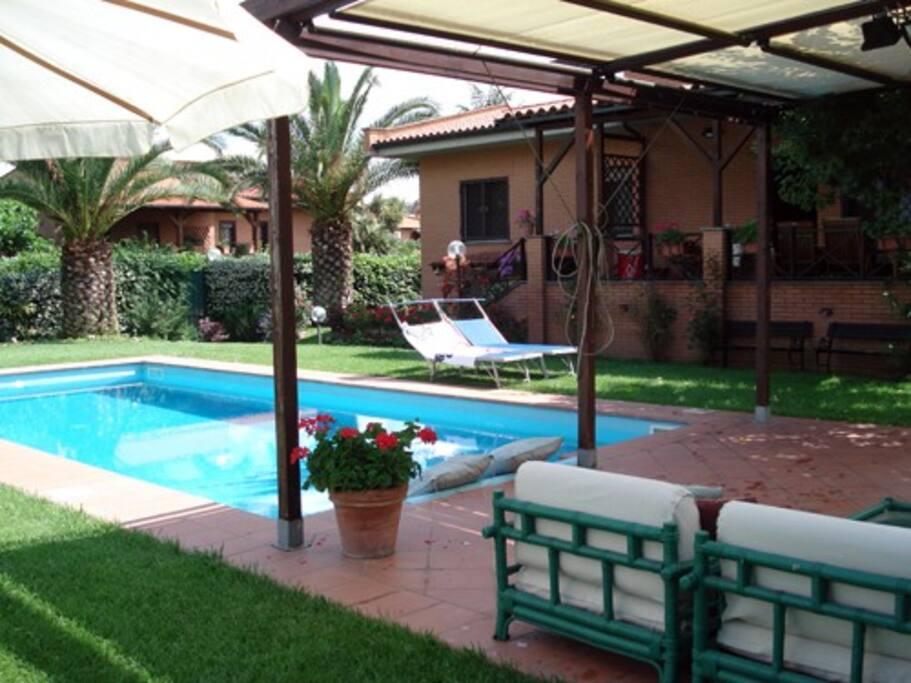 Appartamento nel parco sul fiume appartamenti in affitto for Case livorno con giardino