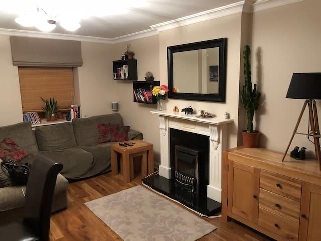 Luxury 3 bedroom/ 3 bathroom Castleknock Apt