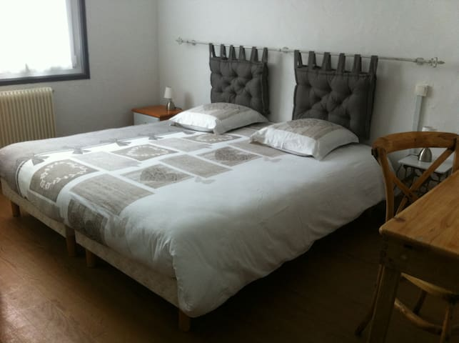 Room in the heart of Hendaye
