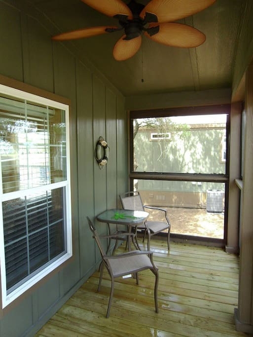 Screened in porch to enjoy Matagorda's evenings