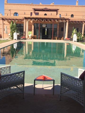 Villa Fleurs de Marrakech 5 Chambres - Marrakech - Vila