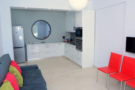 MyParalia Waterfront Vacation Apartment - Paralia