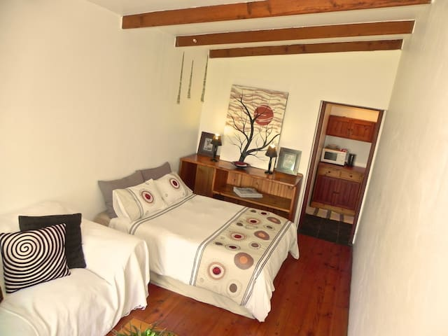 Dreamland Beachfront Room en-Suite - Jeffreys Bay