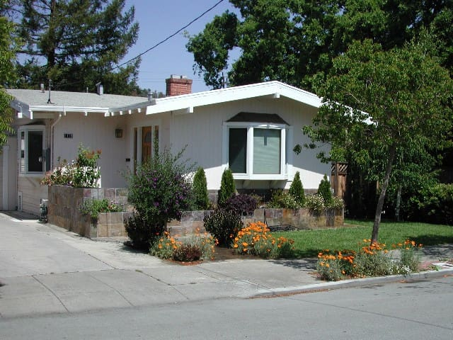2BD Palo Alto home, great location