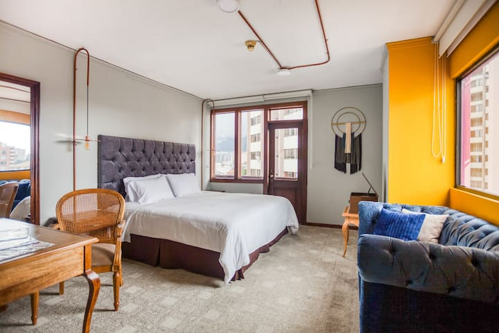 Selina Quito - Deluxe Room
