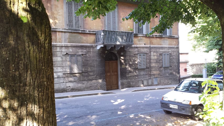 spoleto dating site Split was the site of a series of incidents between 1918 and 1920 since rijeka, trieste and zadar,  introduced in 1967, it was based on the medieval rectangular arms, dating at least.