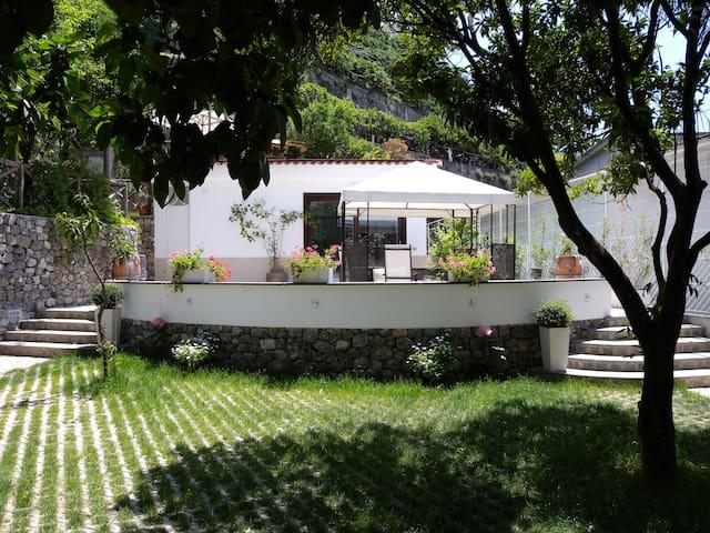 A Romantic Retreat (Heart of Coast) - Maiori - Villa