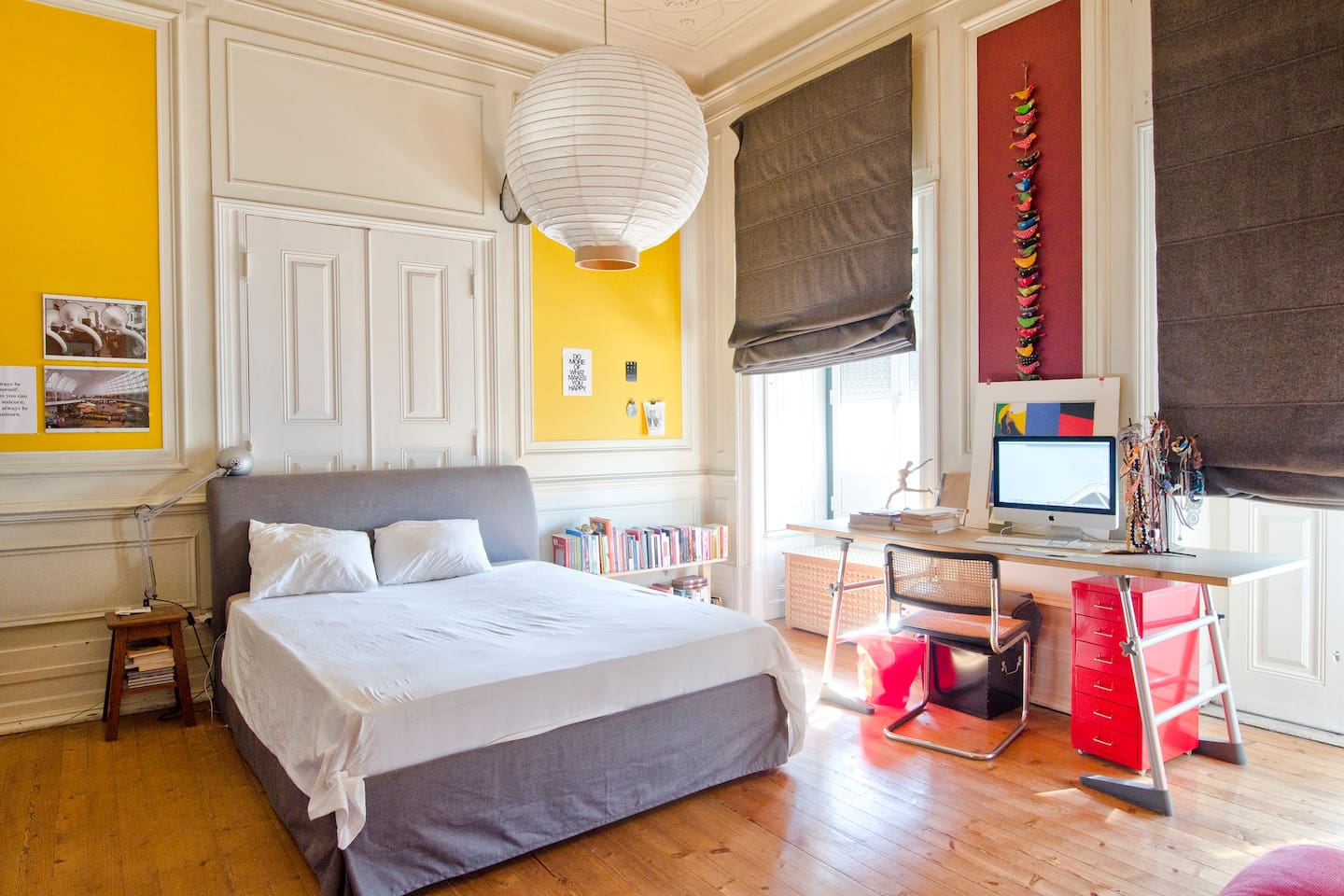 Room - King Size Bed + Sofa Bed - Window and a Balcony with a street view - WI-FI