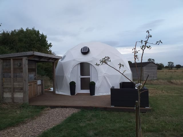 Luxury Glamping Dome 2 at Gayton Farm