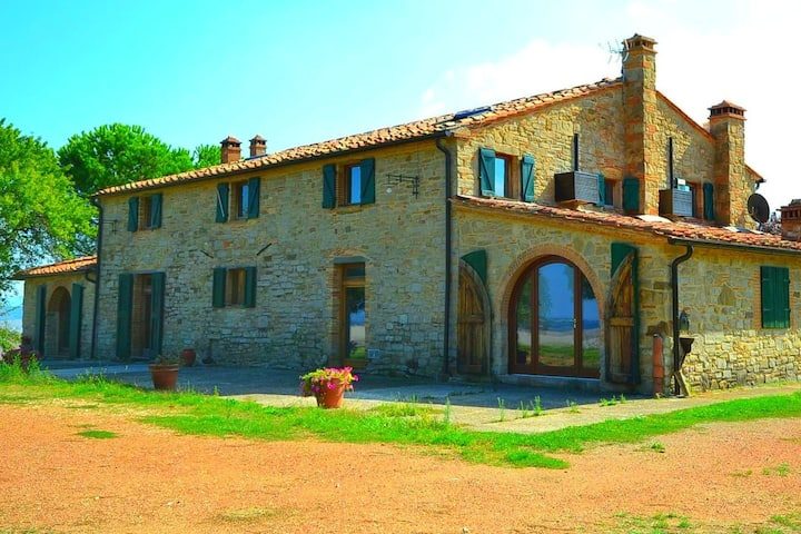 Spacious Holiday Home in Chianni with Private Swimming Pool