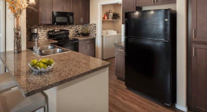 Minutes from AT&T stadium, 1bd 1ba apt w/balcony